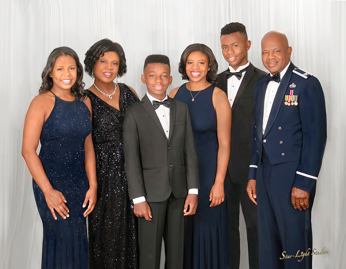 Military-Service-Family-Portrait